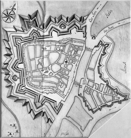 Plan twierdzy z wczesnego XVIII wieku, rysunek kolorowany. 31 x 33cm. MNS/A.Foto/5047