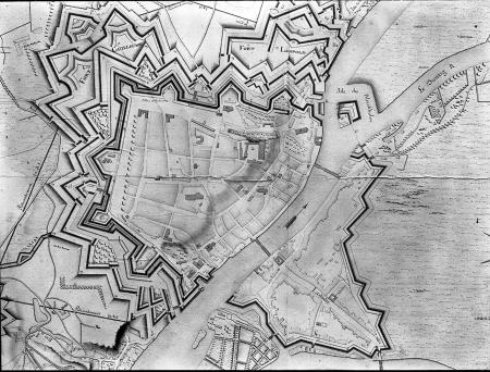 Plan twierdzy Szczecin i fortów z 1808 r., kolorowany, z podaniem funkcji budynków publicznych w okresie okupacji francuskiej od 1806 r., wykonany przez francuskiego rysownika. 75,5 x 112cm. MNS/A.Foto/5049