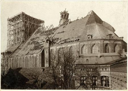 Fotografia kościoła św. Jakuba po burzy w lutym 1894 r. MNS/A.Foto/5153
