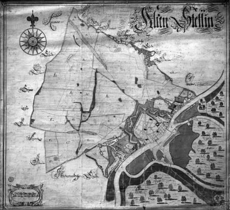 """Mapa twierdzy Szczecin i jej okolicy z dodanymi miedzami. (Alten Stettin"""".) Koniec XVII wieku. Pióro i akwarela. 69 x 75cm. MNS/A.Foto/5042"""