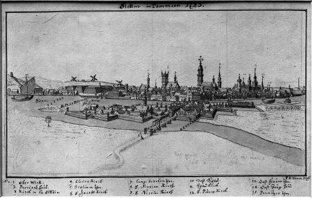 Ogólny widok miasta wraz z Łasztownią od wschodu. Tonowany rysunek piórem Friedricha Bernharda Wernera (rysownik i sztycharz we Wrocławiu, † 1778). Sygn.: F.B. Werner siles (iensis) del (ineavit). Z ukończoną w 1732 wieżą kościoła Mariackiego; liczba 1725 dodana później. 15,7 x 27,8cm. MNS/A.Foto/5071
